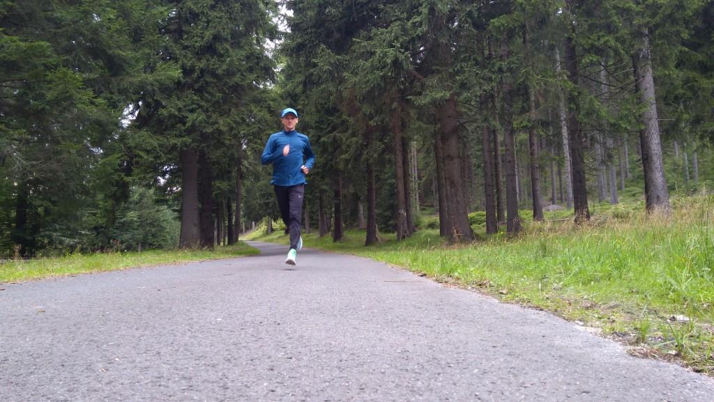 trener biegania Emil Dobrowolski na obozie biegowym w Szklarskiej Porębie