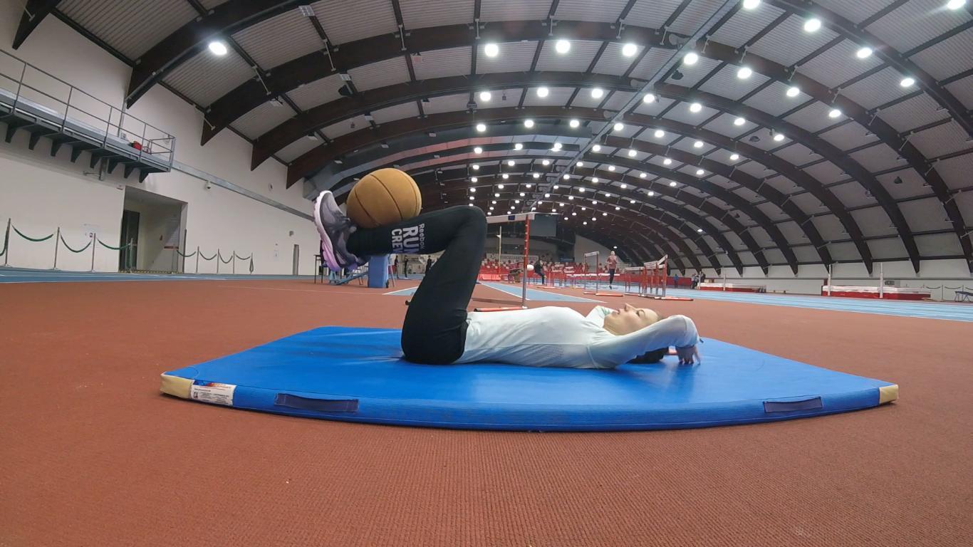 Piłki lekarskie - Trener biegania, ćwiczenia wzmacniające